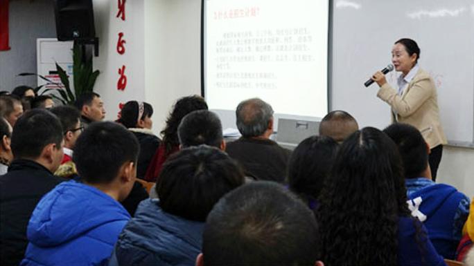 开讲了!中考政策解析及应对讲座,家长挤爆现场!